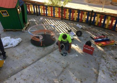 Construcción y mantenimiento de parques infantiles